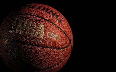(DKNG), (PDYPY) - DraftKings Mendaratkan Kemitraan Dengan Turner Sports, FanDuel Nets NBA Deal